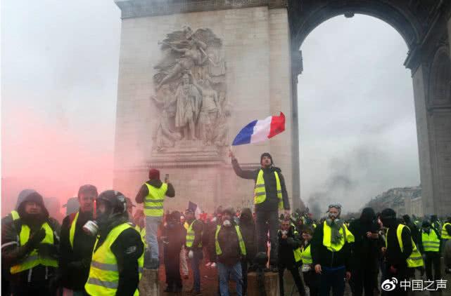 """黄背心是什么 为什么法国人会发起""""黄背心""""运动?造成哪些危害?-汇美优普-热门搜索话题榜"""